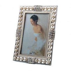 "4""x6"" Pearl Embellished Photo Frame"