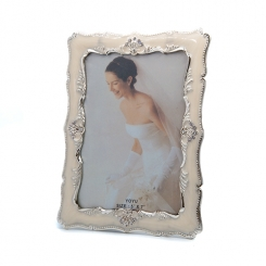 "5""x7"" Ivory Enamel Photo Frame"